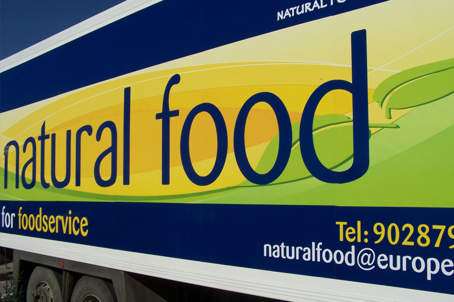 Rotulación en Trailer de mercancías Natural Food